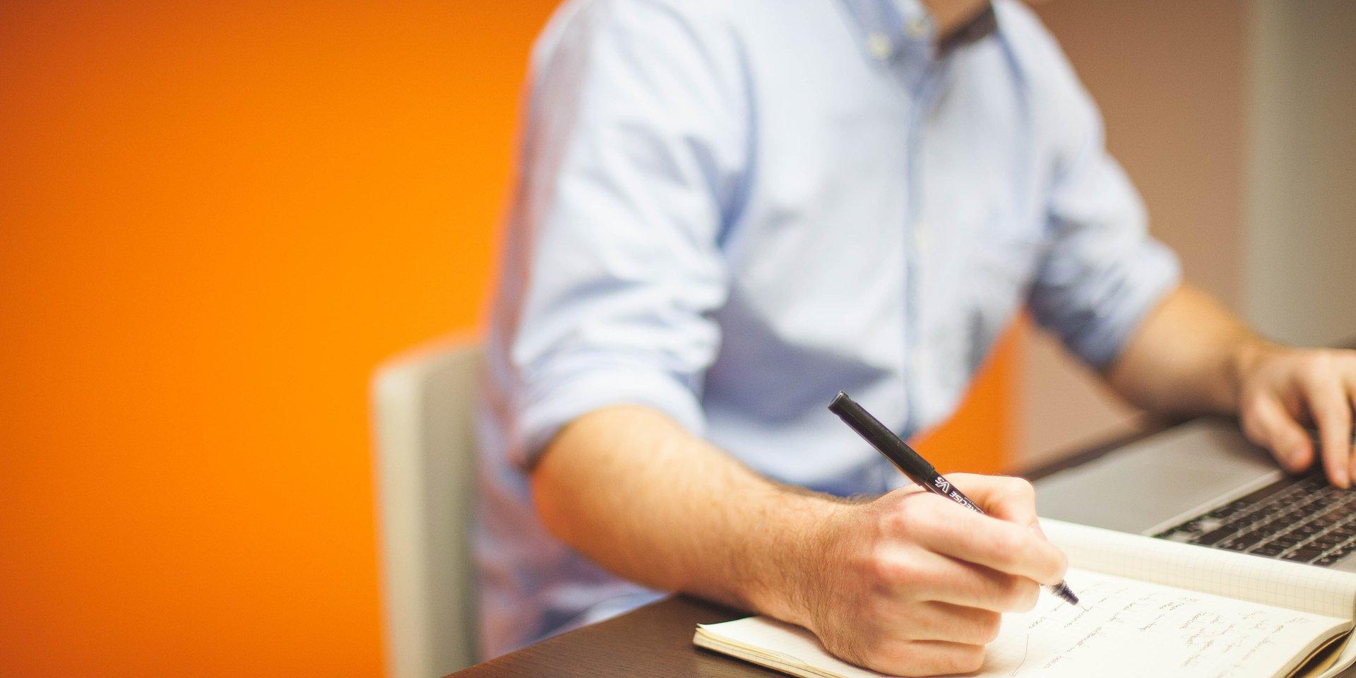 O czym warto pamiętać, pisząc CV? Ekspert radzi.