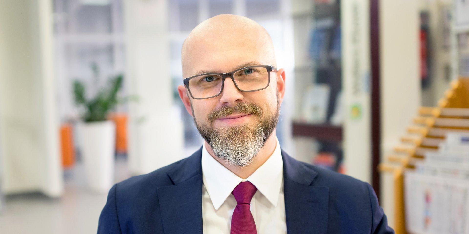 transport i logistyka: dr Hubert Igliński