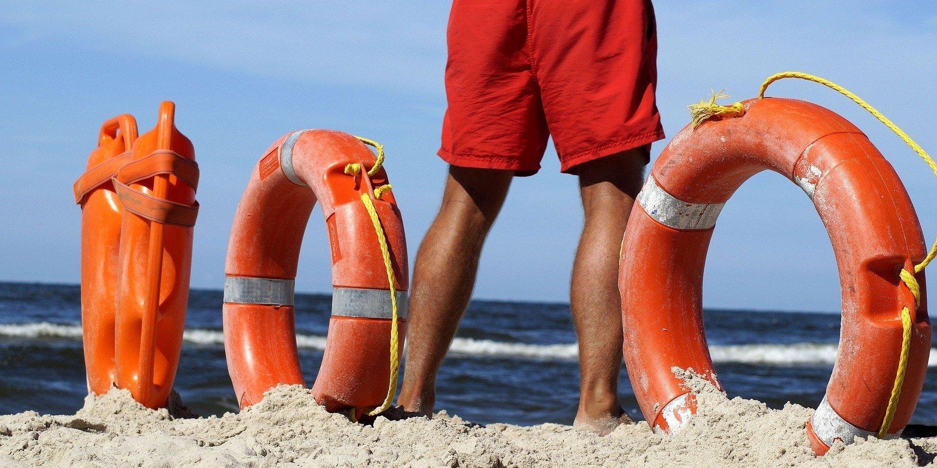 Zaczęły się wakacje – rady ratownika wodnego