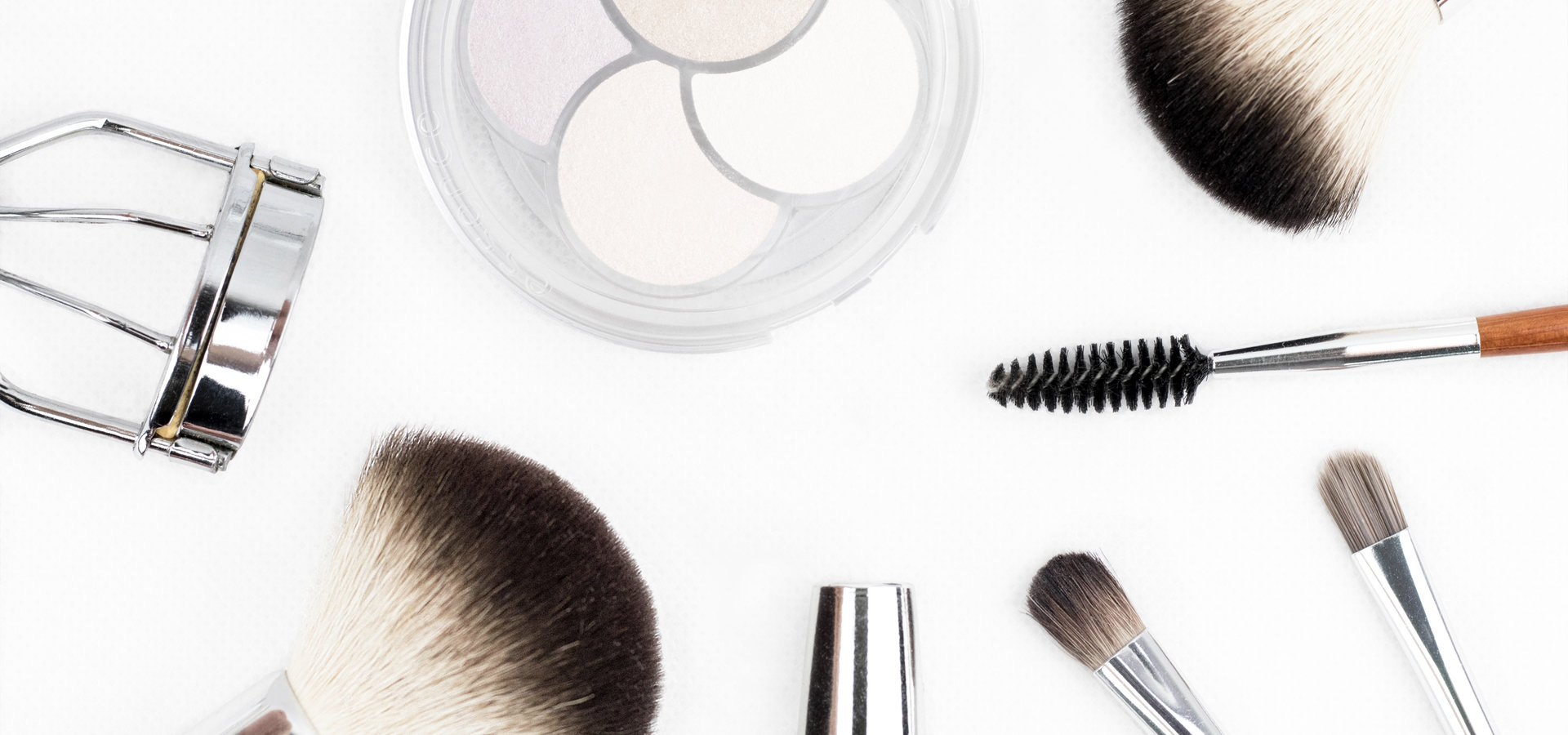 NRA: kosmetyki powinny pozostac w aptece