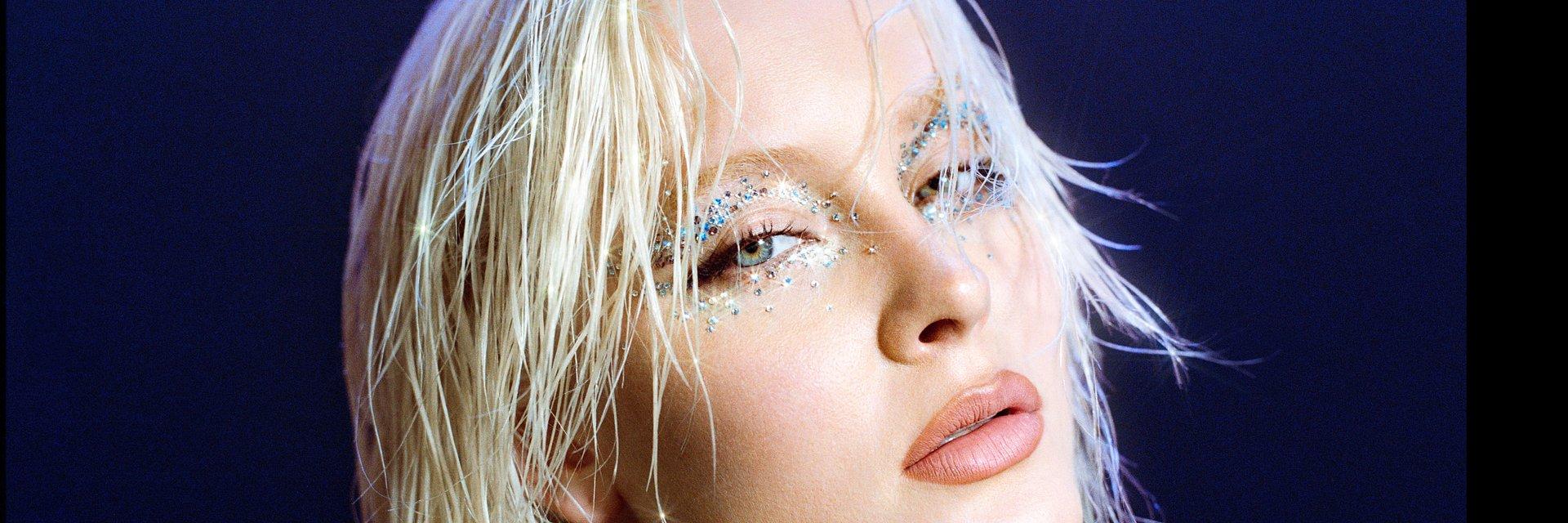 """Zara Larsson prezentuje singiel """"Love Me Land"""""""