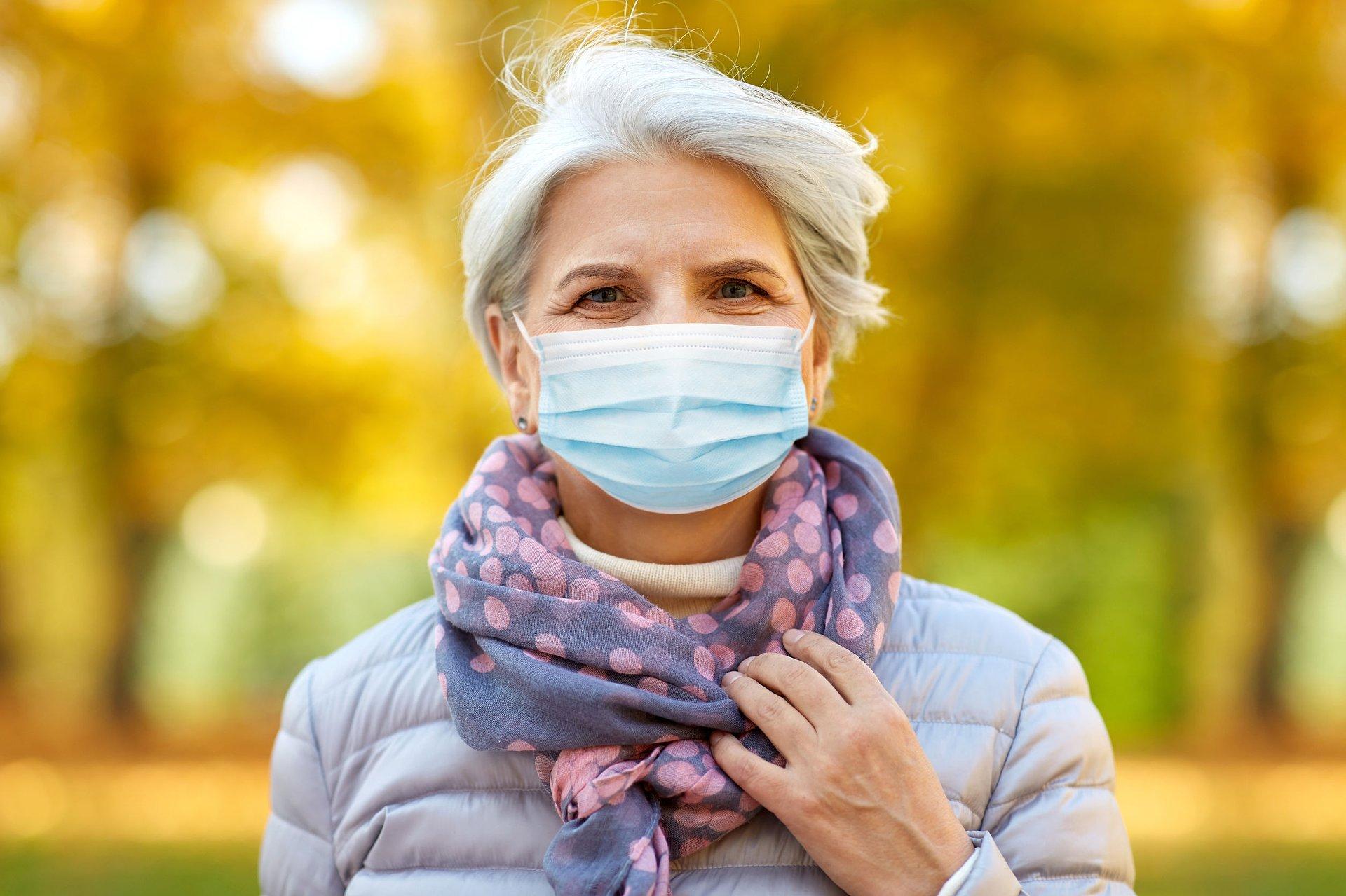 Jesienny rzut epidemii coraz bardziej realny. Eksperci ostrzegają i rekomendują