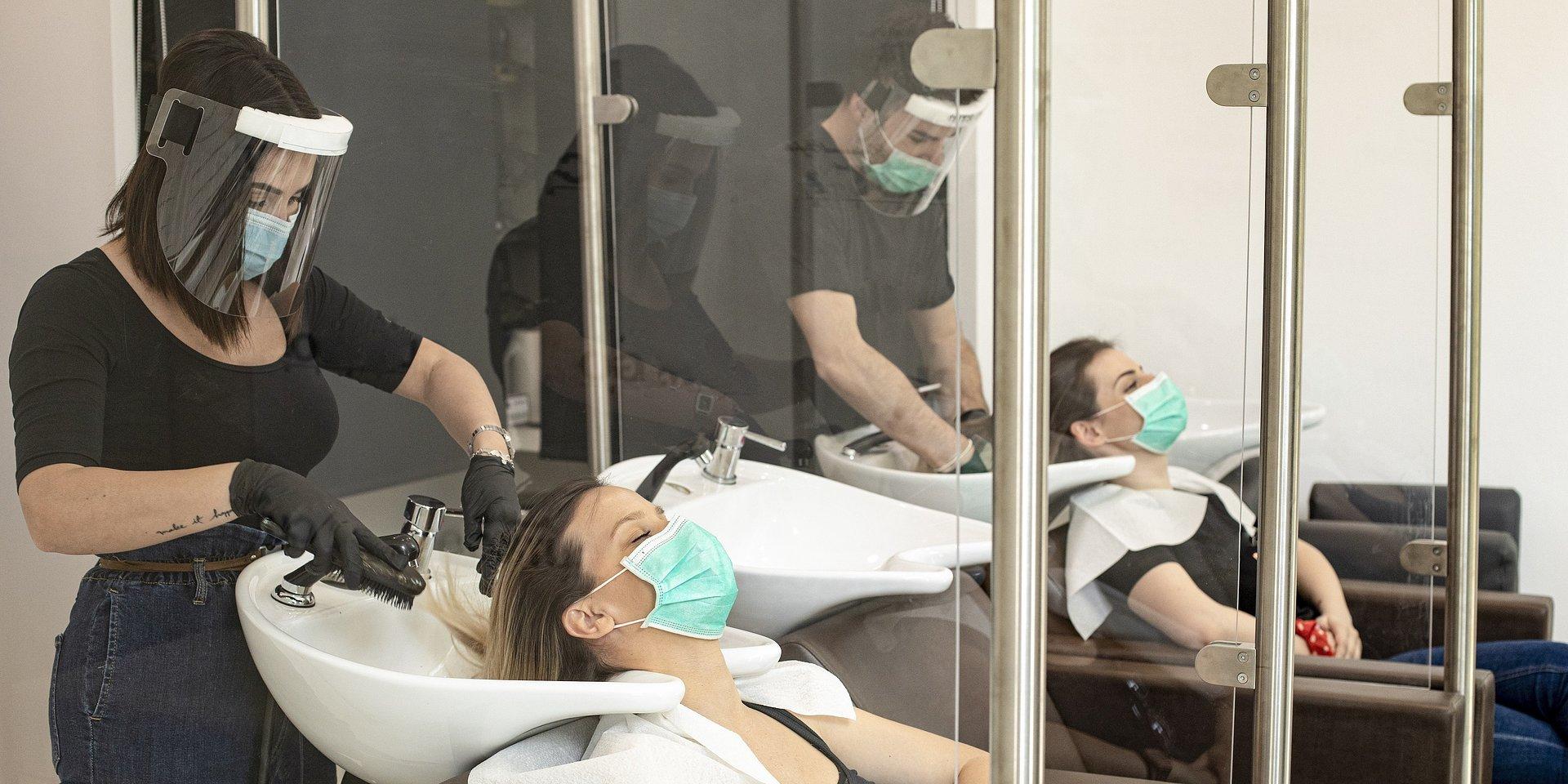 Trzy urządzenia, które zapewnią czyste powietrze w Twoim salonie
