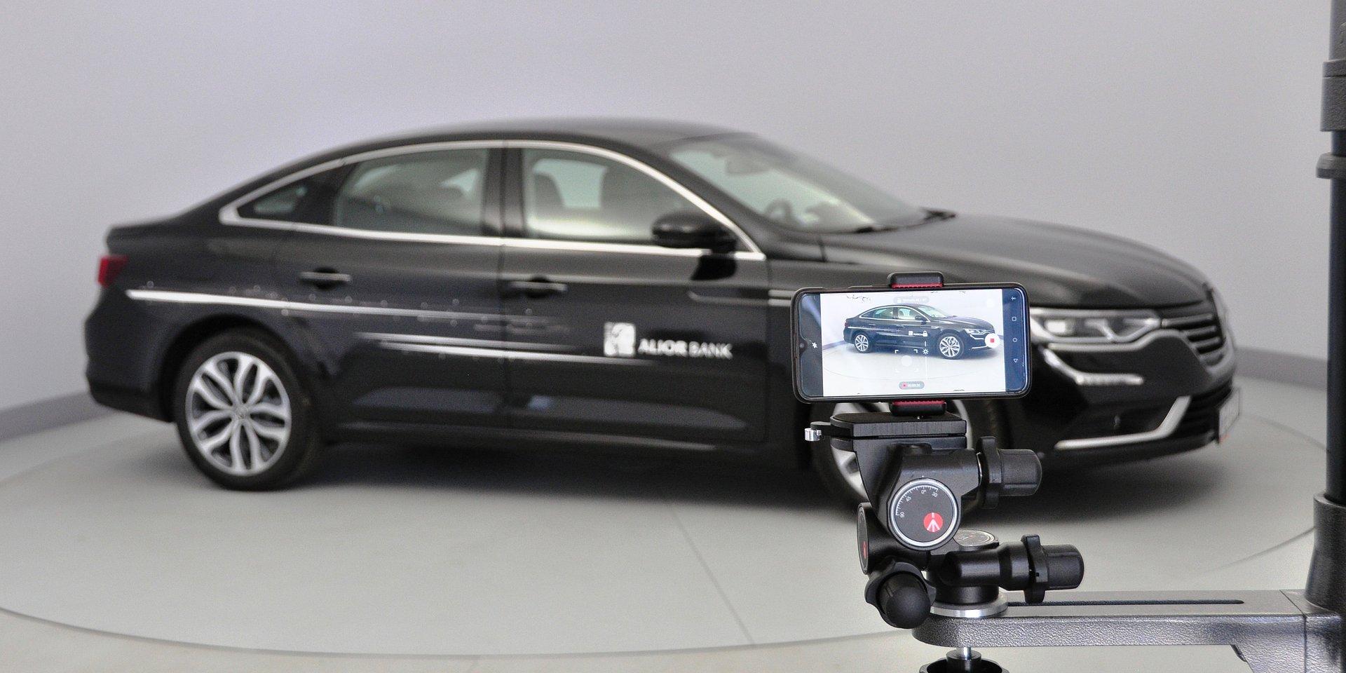 Wirtualny salon samochodowy to przyszłość branży motoryzacyjnej. Klienci doceniają tego typu rozwiązanie nie tylko w czasie pandemii