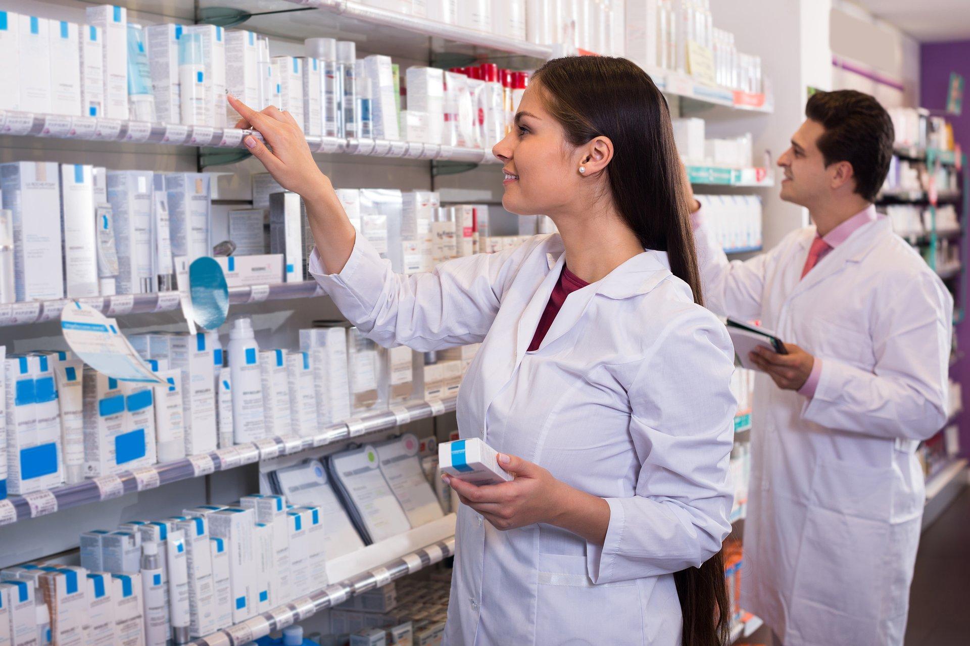 Skąd technik w Ustawie o zawodzie farmaceuty?