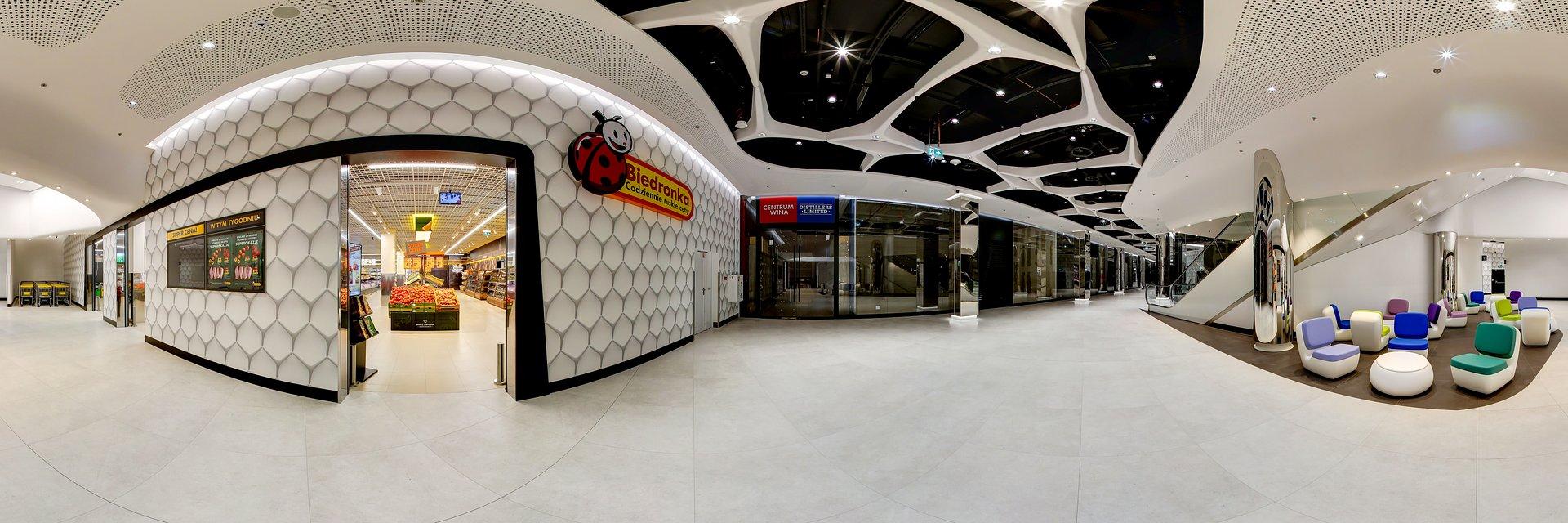 Z metra prosto do sklepu - Biedronka działa już w The Warsaw Hub