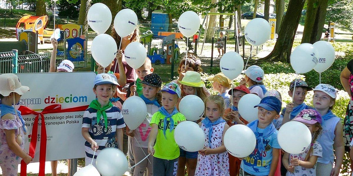 Wspólne świętowanie rozbudowy Centralnego Placu Zabaw w Szczecinku