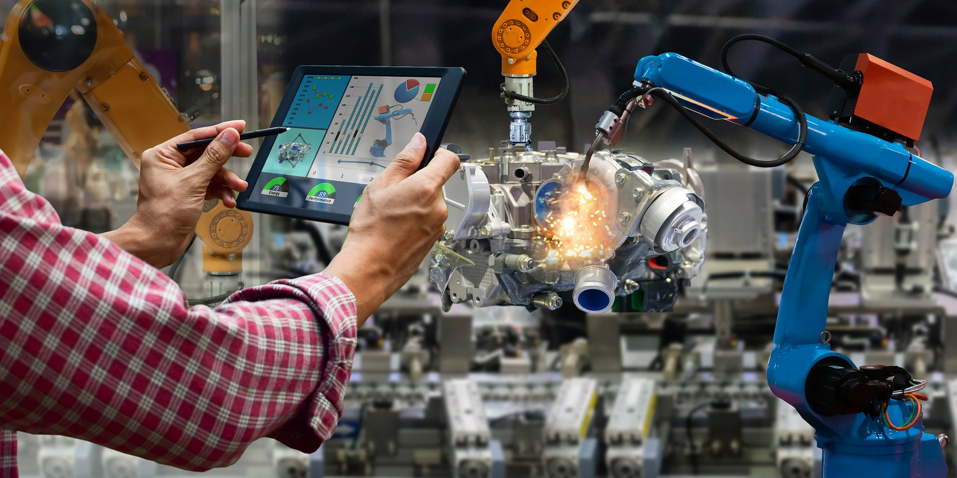 USA: sprzedaż detaliczna i produkcja przemysłowa kontynuują wzrosty