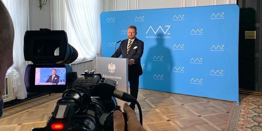 """Szumowski podał się do dymisji. Komentarze: """"najgorszy minister"""", """"najciężej pracujący"""""""