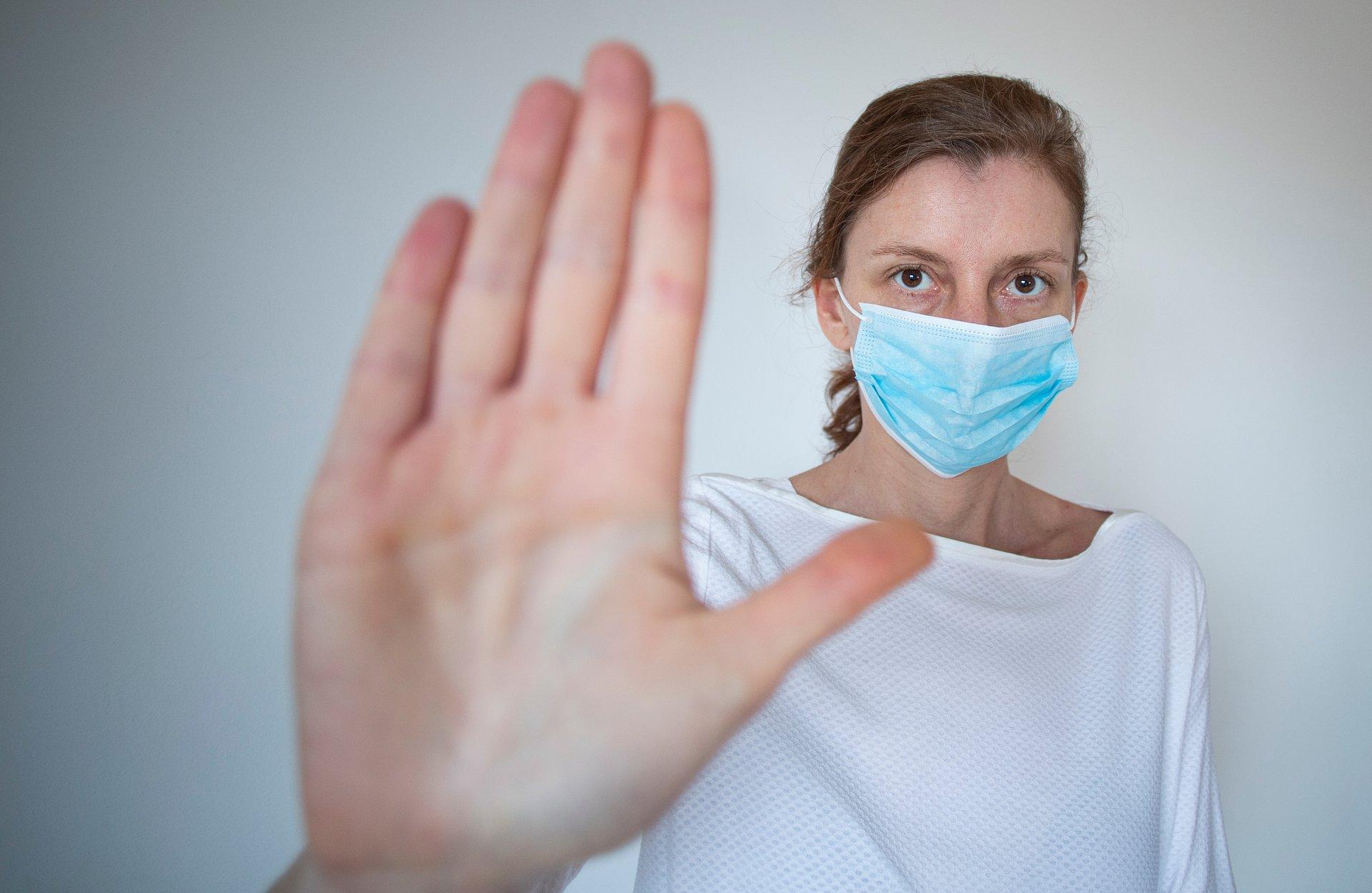 Kto się boi koronawirusa? Wyniki badania CBOS