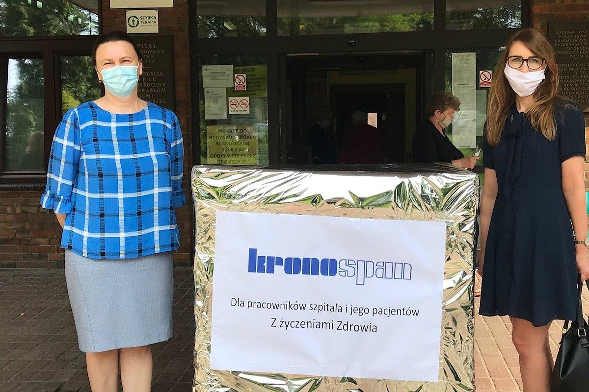 Kronospan przekazał zamgławiacz dla szpitala w Strzelcach Opolskich