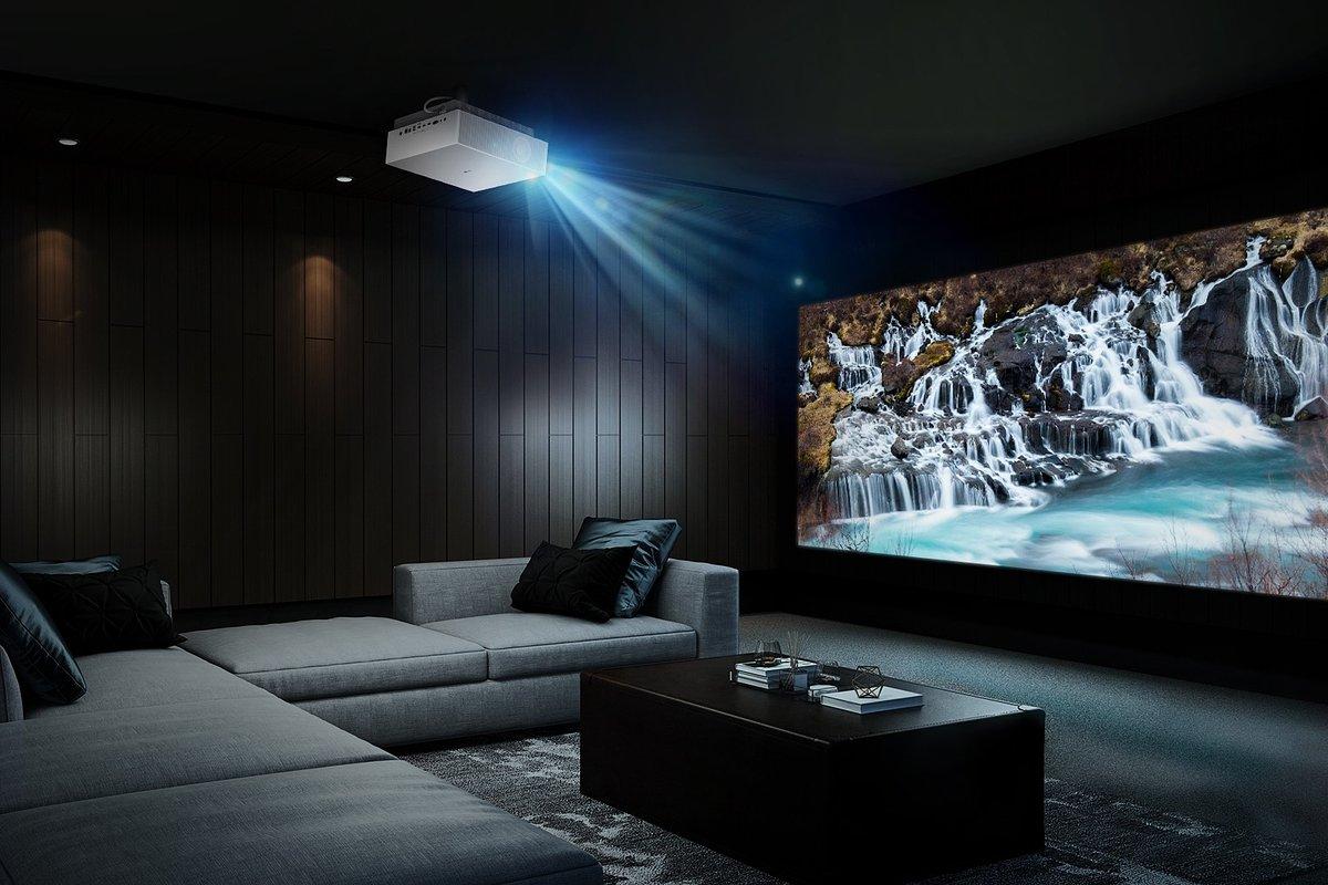 IFA 2020: Kino przeniesione do domu! LG prezentuje projektor LG CineBeam 4K UHD Laser
