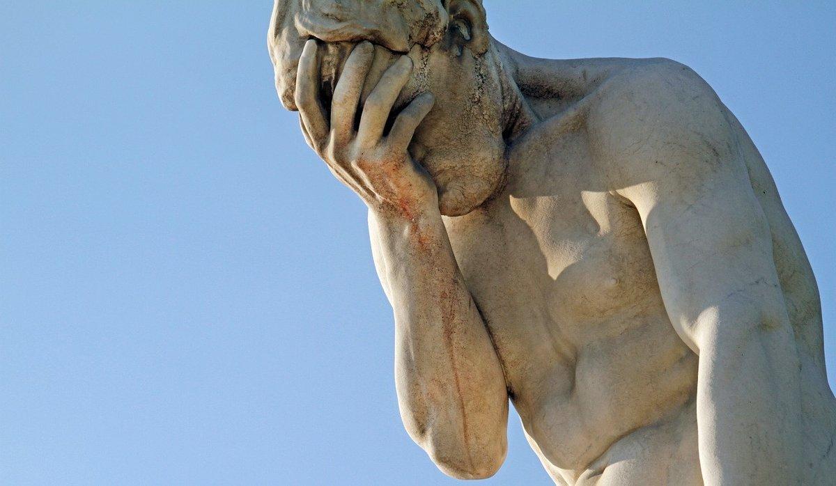 """Opieka farmaceutyczna przeszkadza lekarzom? Farmaceuta: """"Oni zawsze mają nas za idiotów"""" [ANKIETA]"""