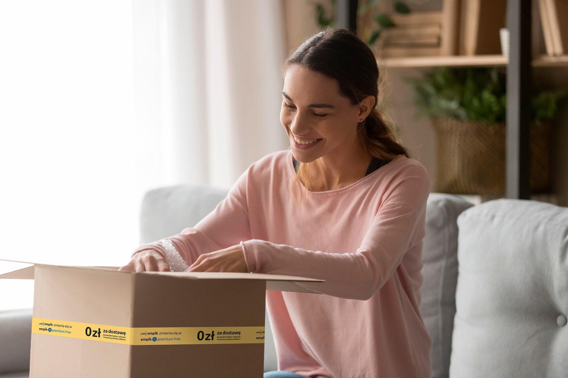 Zakupy online od teraz z darmową dostawą na stałe w ramach nowego programu Empik Premium Free