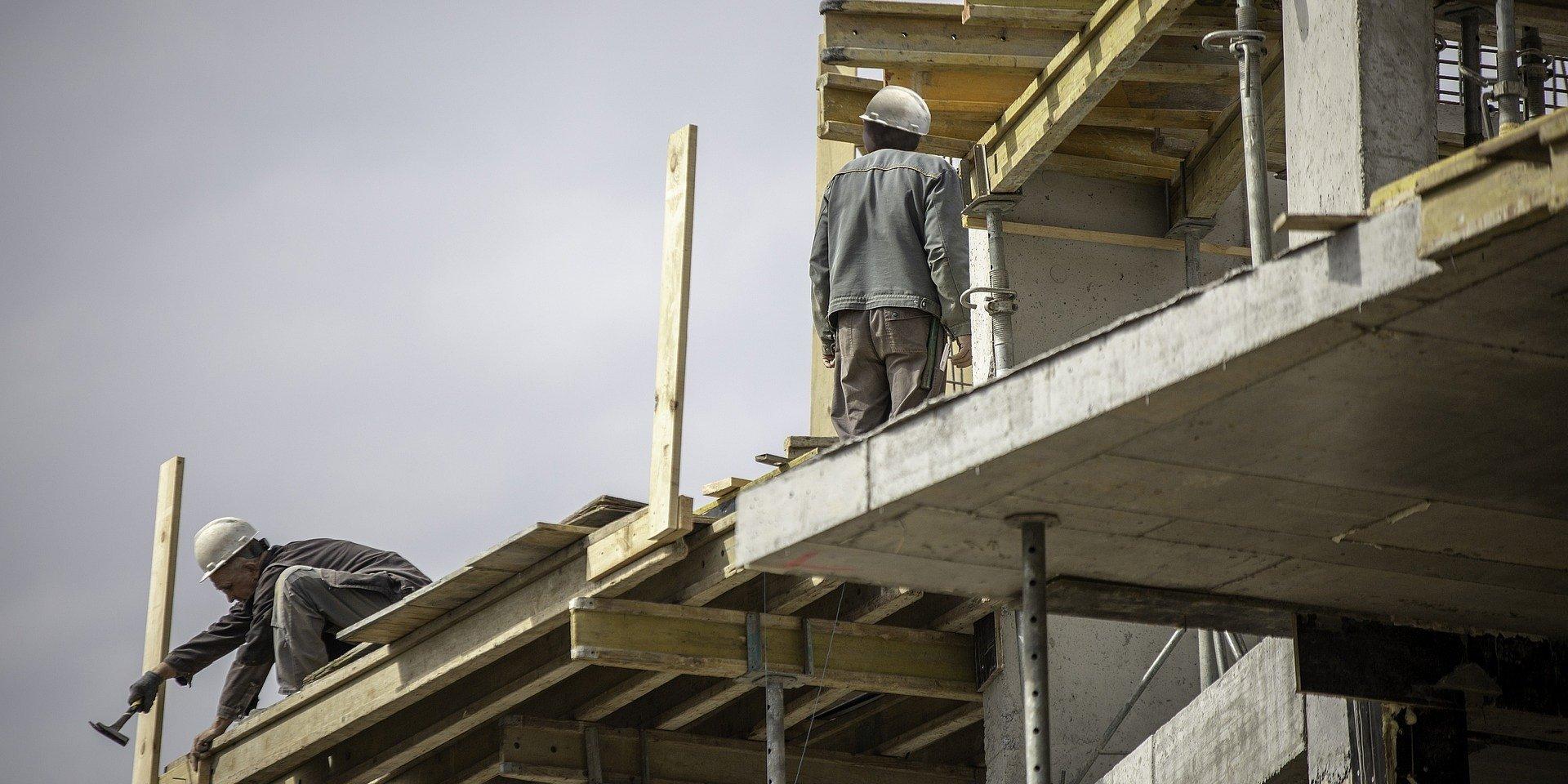Zmiany w prawie budowlanym – nowa procedura i wyższe kary dla inwestorów za nielegalne użytkowanie budynków