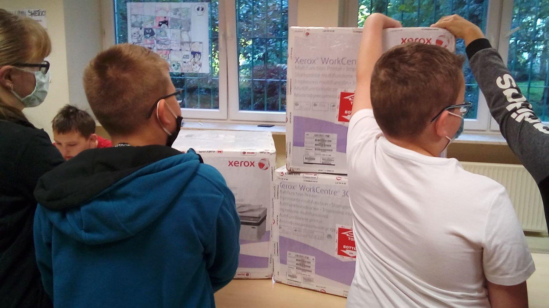 Drukarki za dziesiątki uśmiechów. Xerox pomaga niepełnosprawnym dzieciom z Lublina