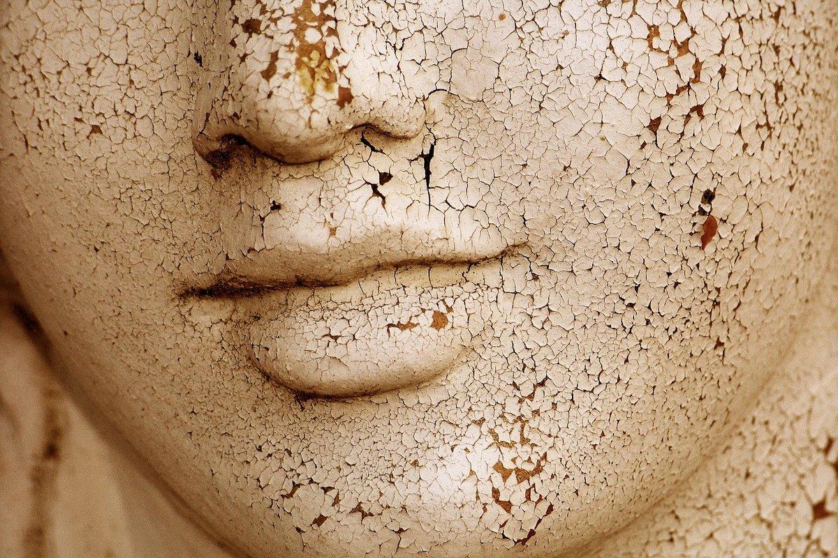 Opieka farmaceutyczna. Suchość skóry i AZS