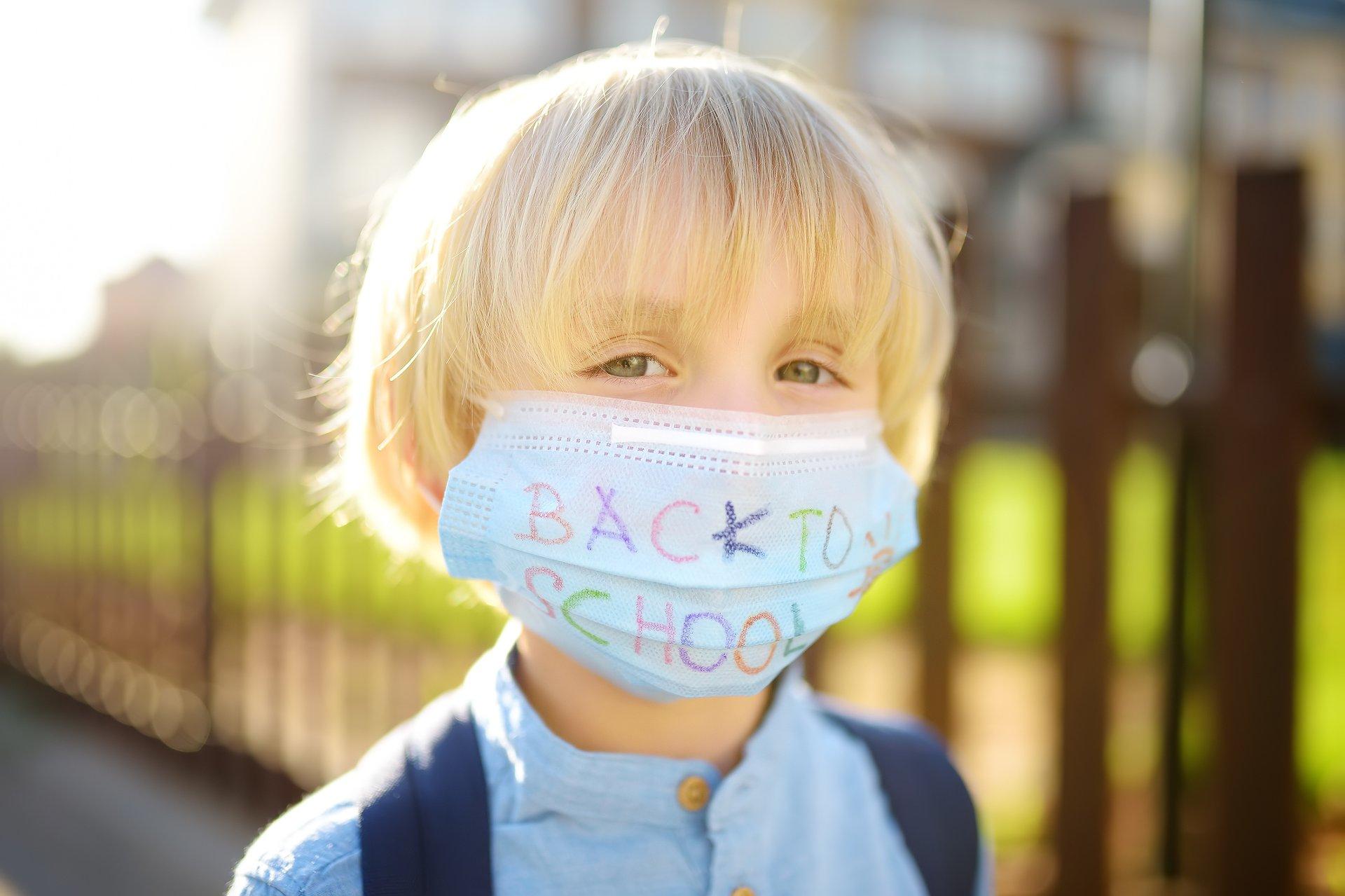 Bezpieczeństwo epidemiczne w sklepach i szkołach. Liczne skargi do RPO