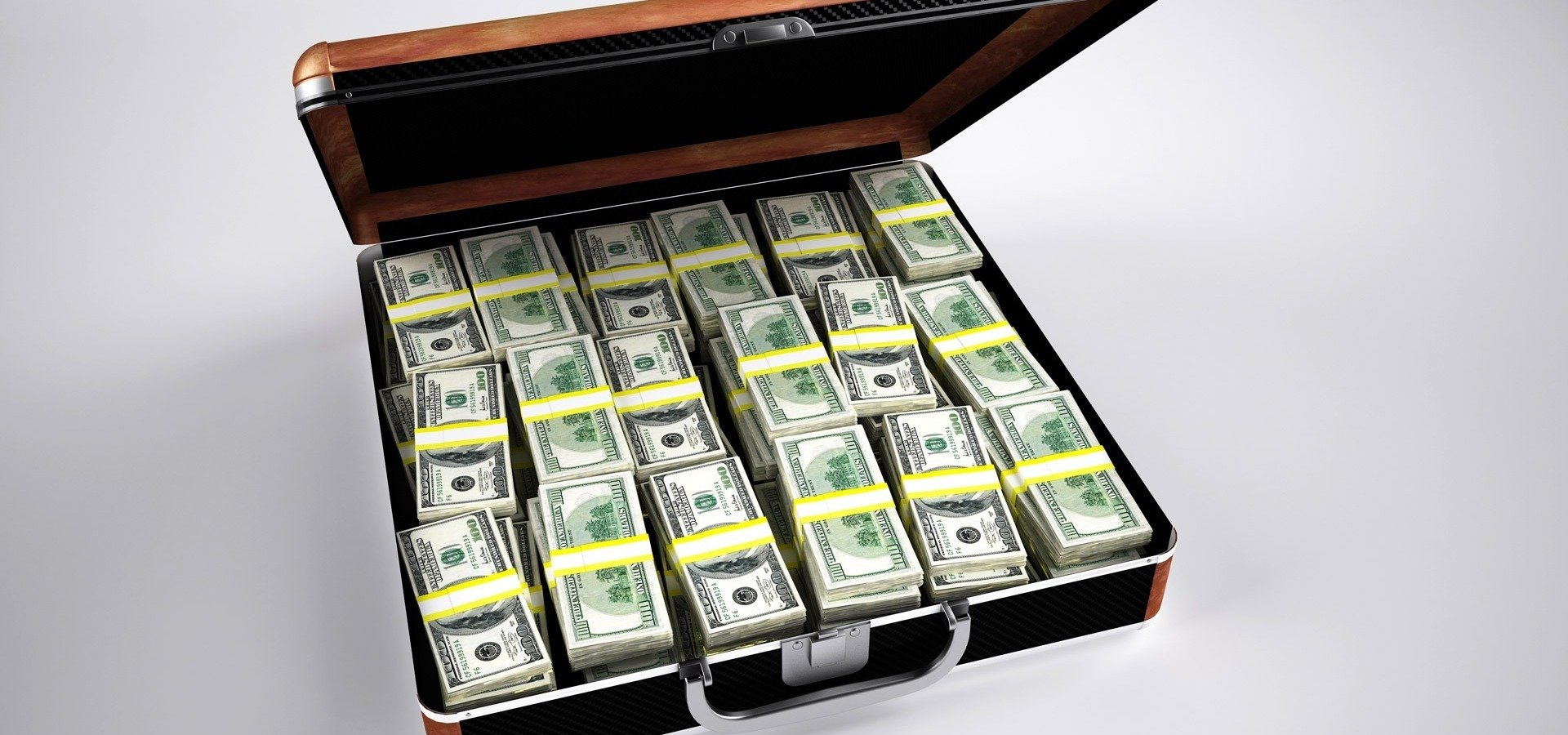 Członkowie zarządu holdingu medycznego oskarżeni o pranie brudnych pieniędzy
