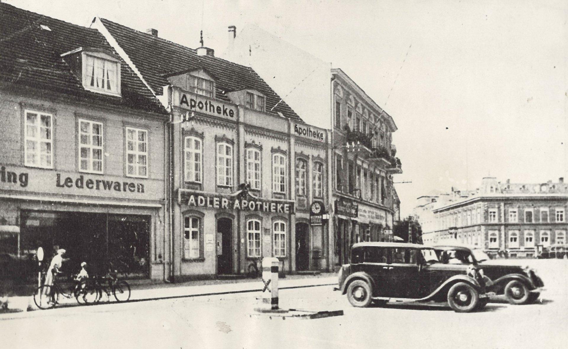 """""""Apteka pod Orłem"""" w Świnoujściu na archiwalnych fotografiach"""