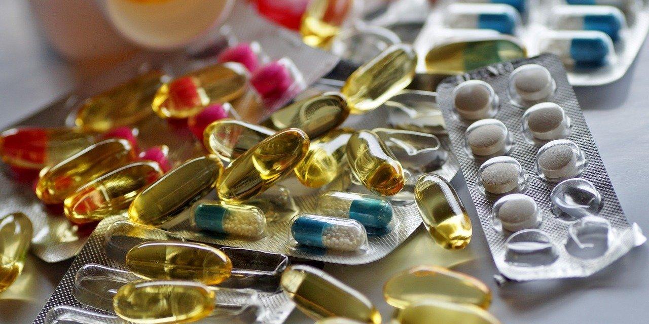 Farmaceta pyta pacjentów o opiekę farmaceutyczną