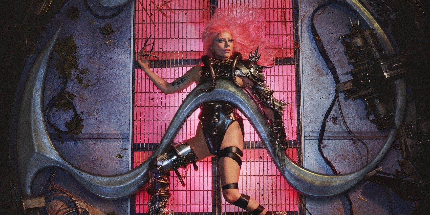 """Lady Gaga prezentuje klip do """"911"""""""