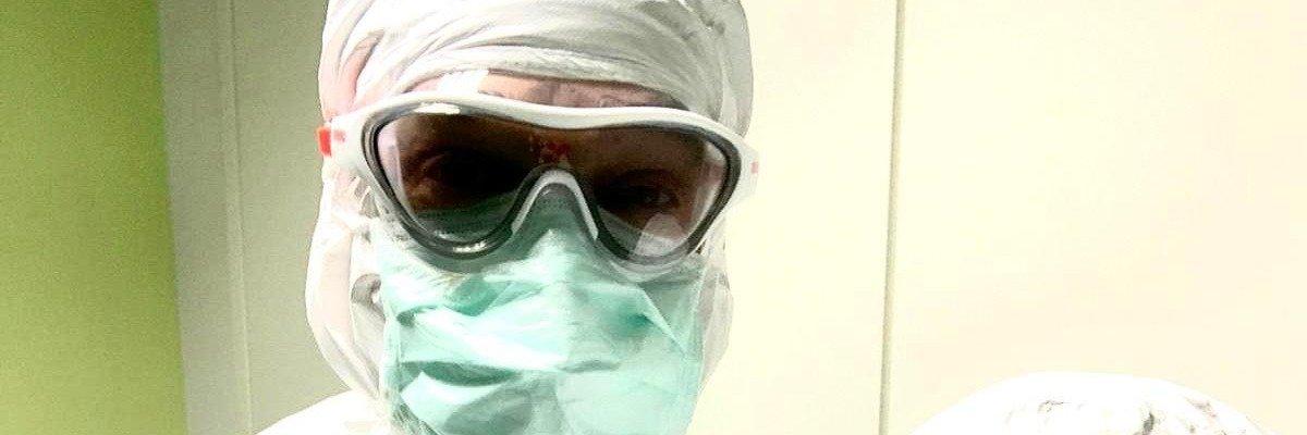 arena unterstützt Ärzte in Mailänder Poliklinik mit Schwimmbrillen