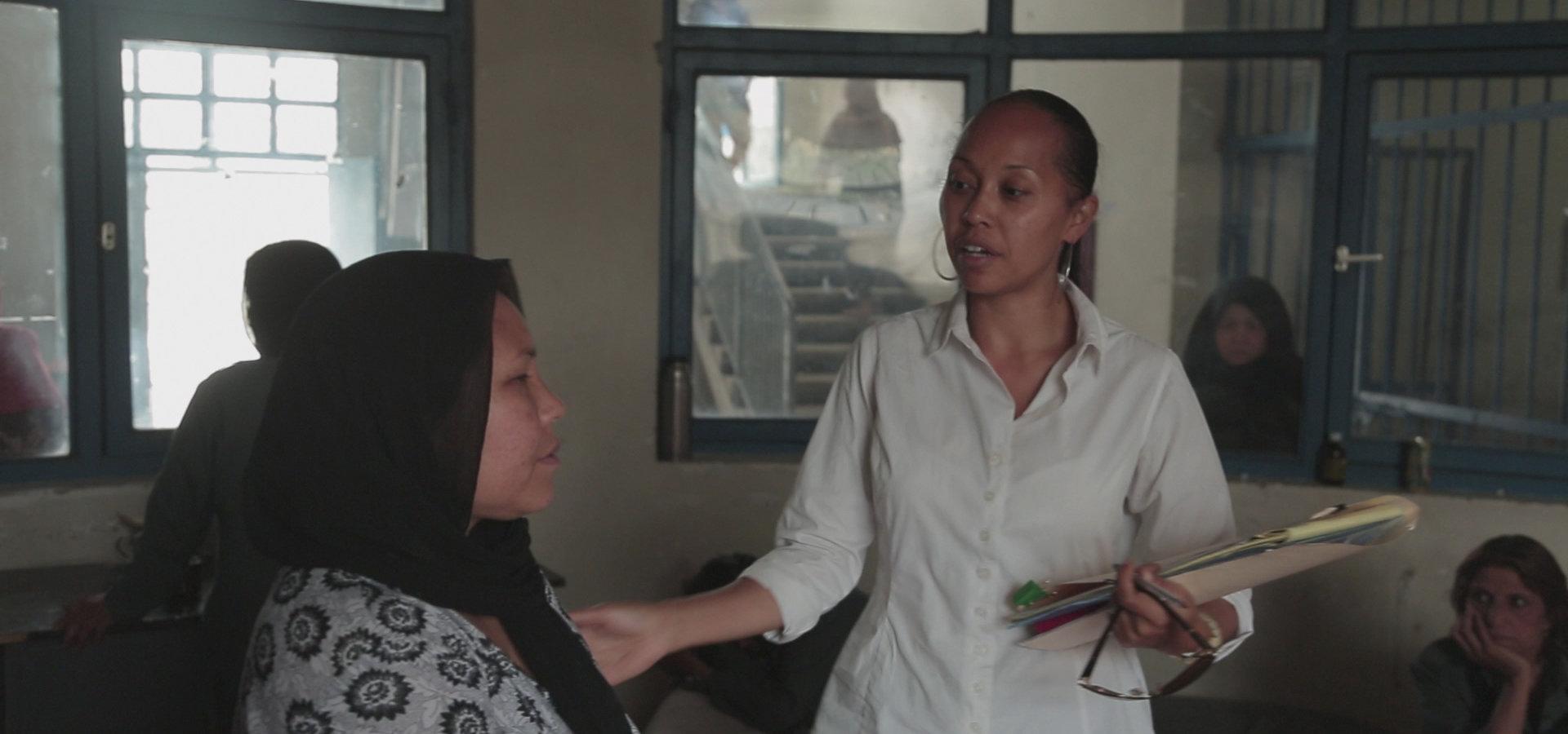 """Walka o sprawiedliwość na końcu świata. """"Prawniczka w Afganistanie"""" w styczniu  na kanale Nat Geo People"""