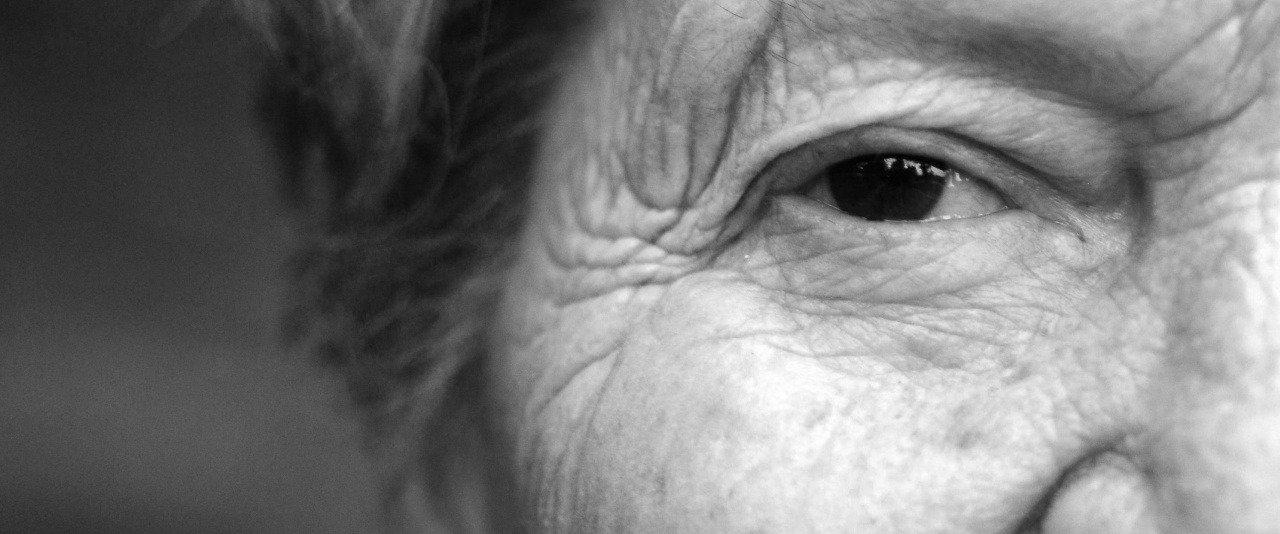 Starzenie się skóry. Jak powstają zmarszczki?