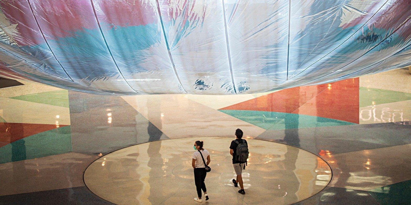 Mundus Imaginalis: uma instalação de arte aérea gigante que celebra a vida em comunidade para ver no Centro Colombo