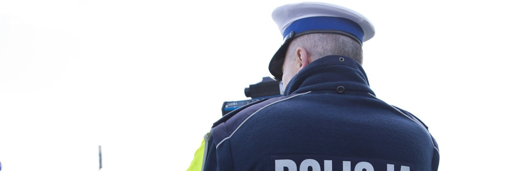 Kontrole drogowe a wypadki. Czy policja zawsze stoi tam, gdzie powinna?
