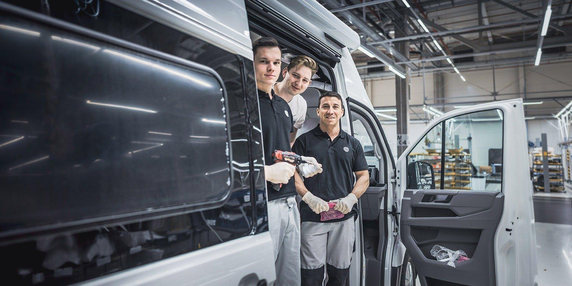 Hızlı ve Güvenli. Volkswagen Poznań'ın dijital dönüşüm sürecini işte böyle yürütüyoruz