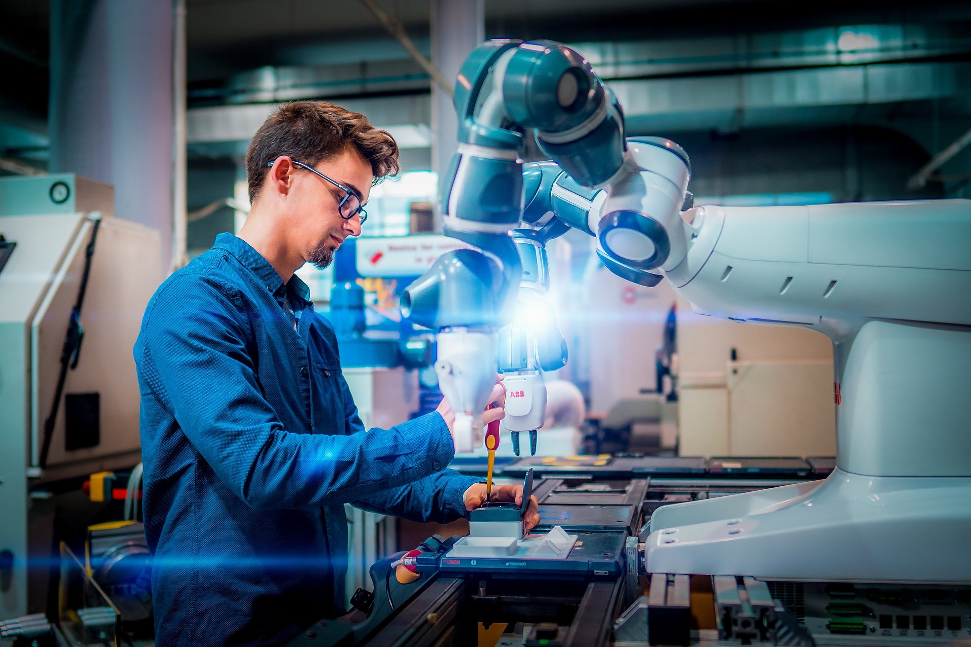 Bezpłatne szkolenia z dziedziny Przemysłu 4.0 w zasięgu dolnośląskiego biznesu i nie tylko