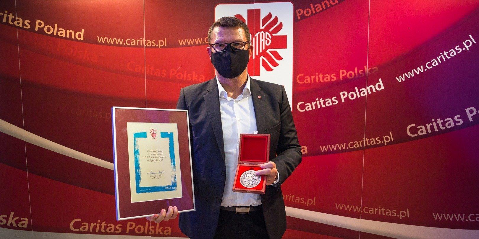 Selgros wyróżniony medalem za wieloletnią współpracę z Caritas Polska