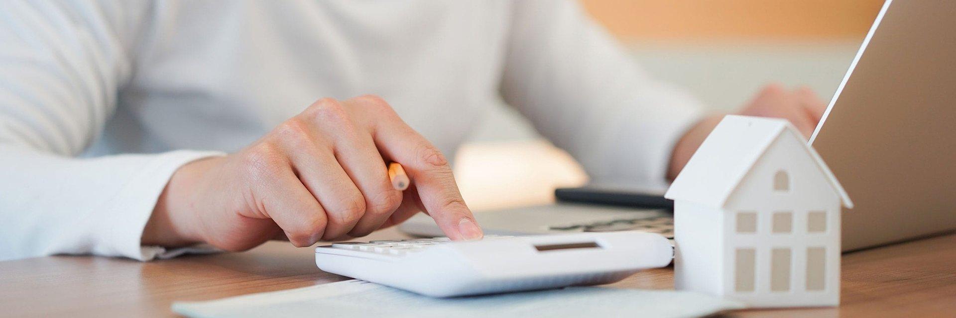Kredyt w trudnych czasach - kompendium wiedzy o kredytach i pożyczkach 2020