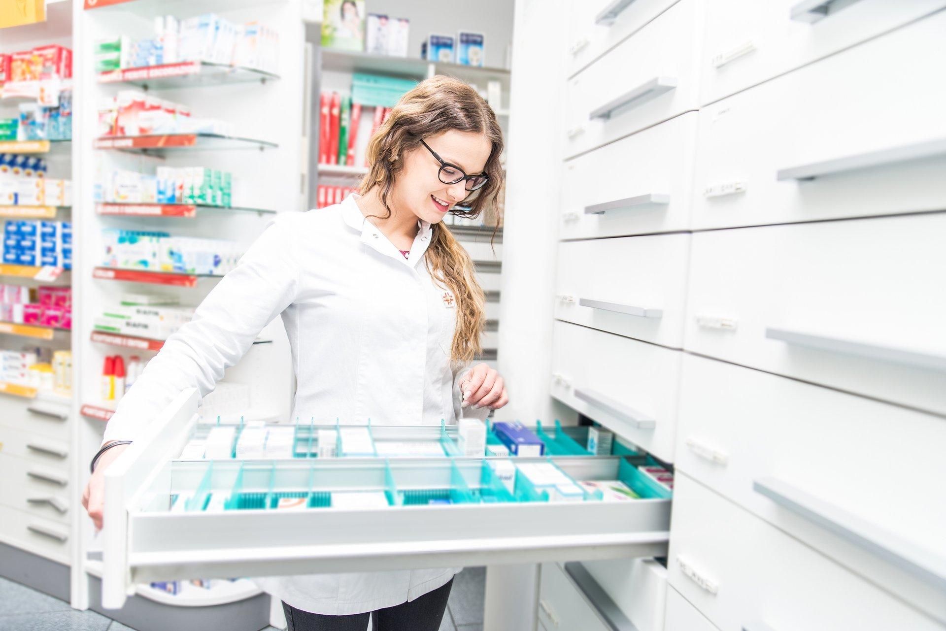 W sposób uporczywy, czyli O niezależności farmaceutów