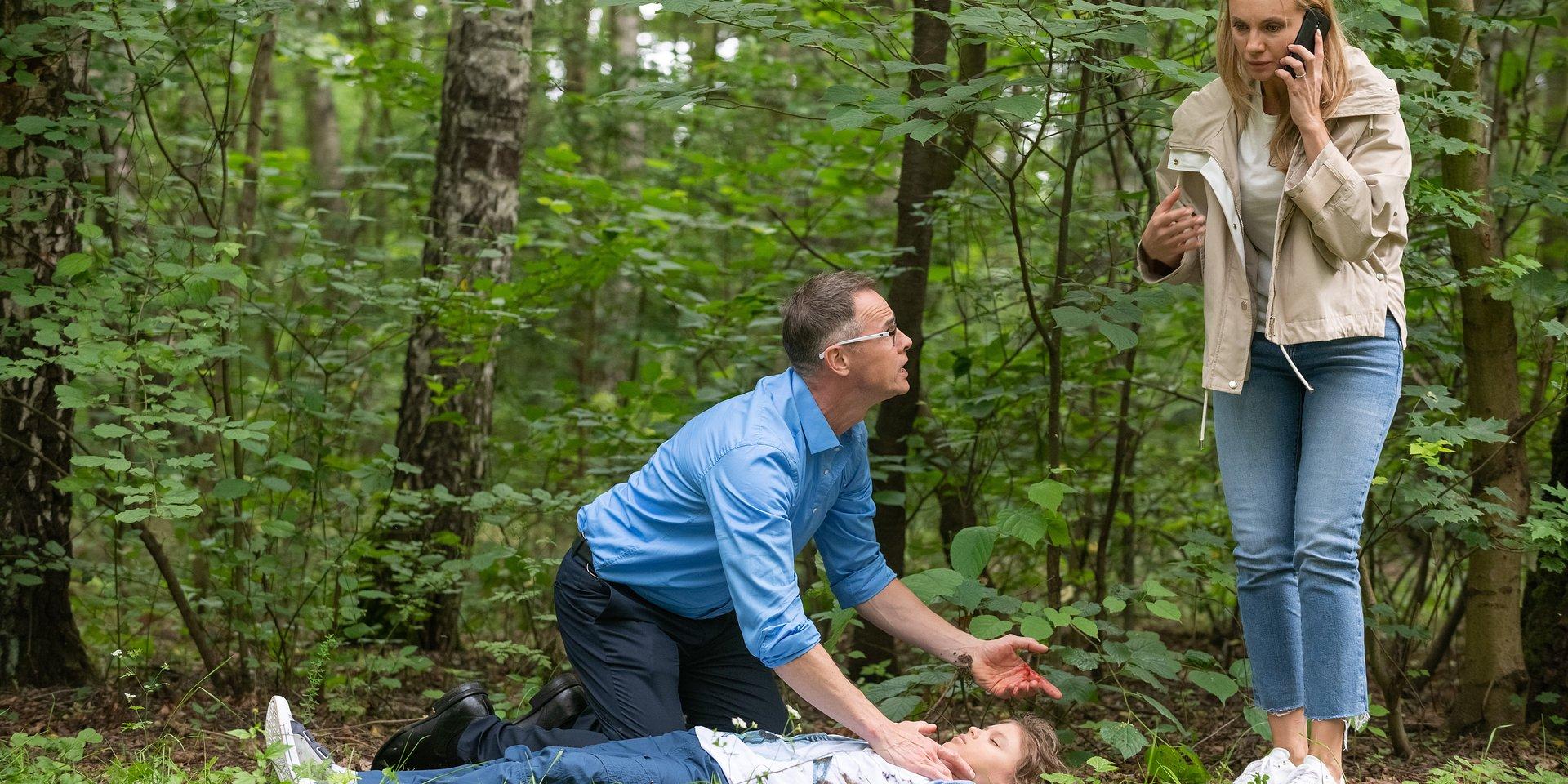 Na Wspólnej: Kajetan zostaje postrzelony – czy lekarze uratują chłopaka?!