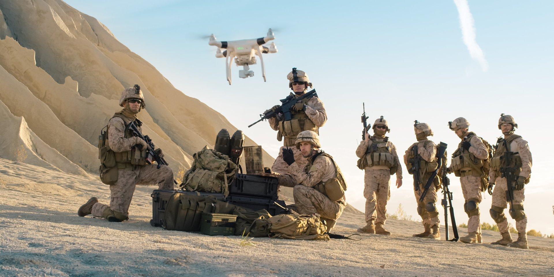 """Czy inteligentne maszyny będą potrafiły myśleć i walczyć za człowieka? Premiera serii """"Wojny przyszłości"""" w National Geographic"""