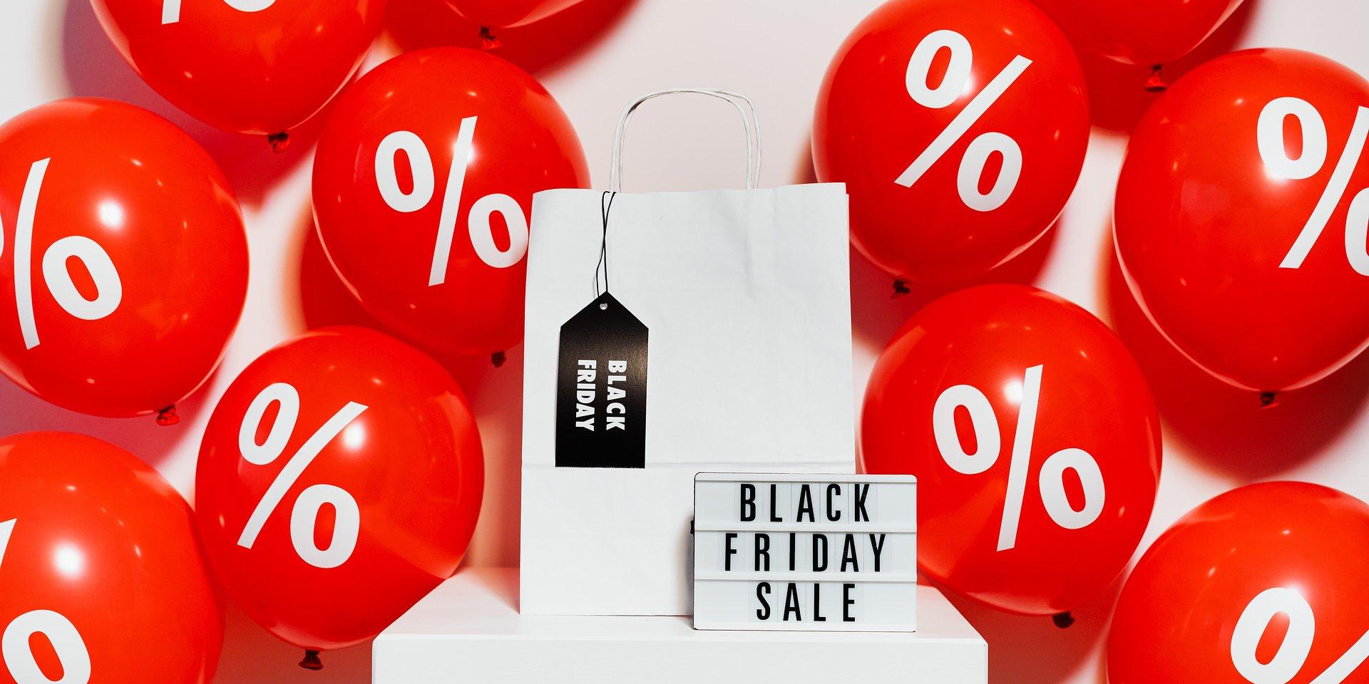 Na tegoroczny sezon świąteczny sklepy poprawiają ofertę online i zwiększają przepustowość ruchu w sieci