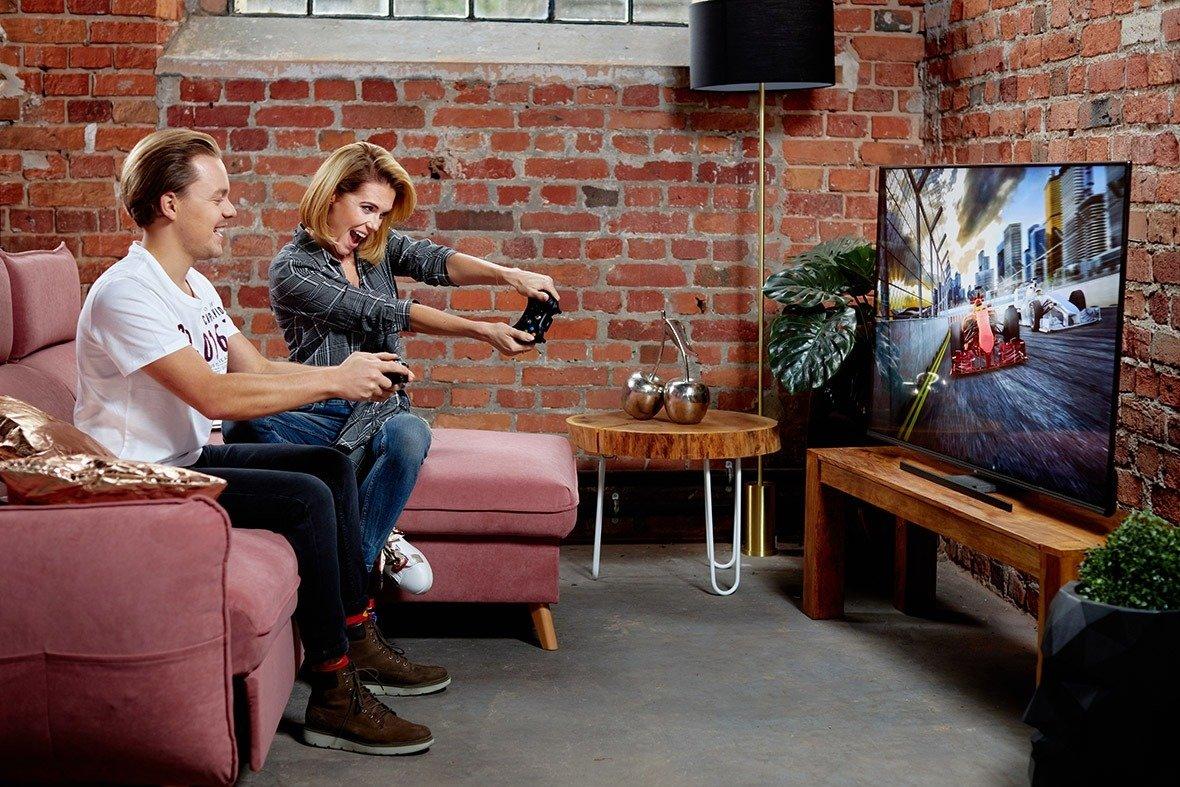 Maxi telewizor Hitachi w mini cenie do gier i Netflixa: Hitachi 4K UHD do gamingu w mini cenie
