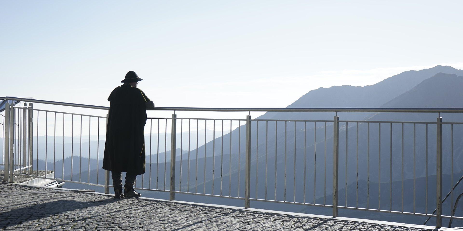 Kultura w Tatrach. Górskie widoki i bliskość z naturą inspiracją i tłem działalności dla filmowców, fotografów i aktorów.