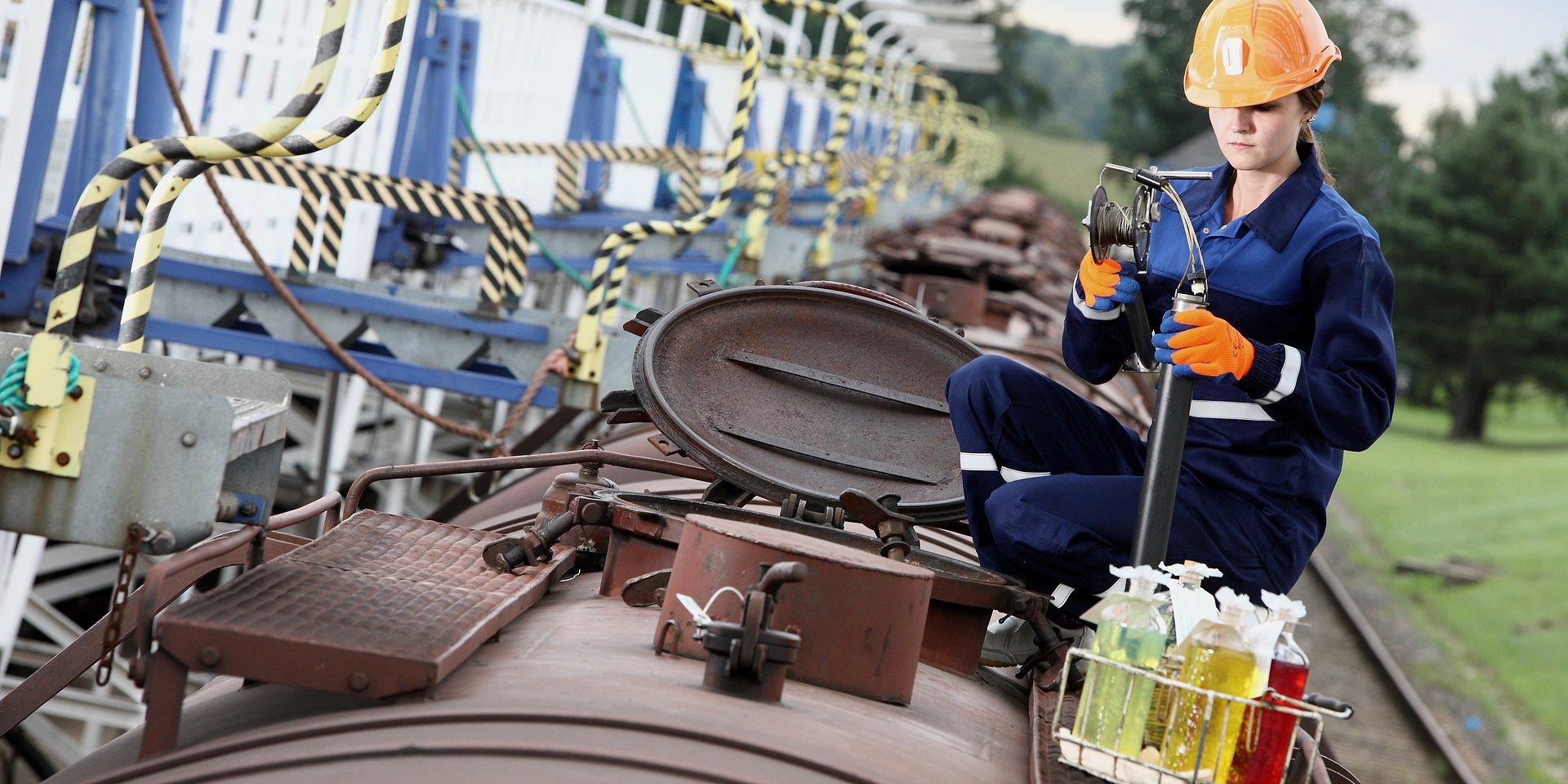 Laboratoria PERN zabezpieczają jakość paliw na stacjach