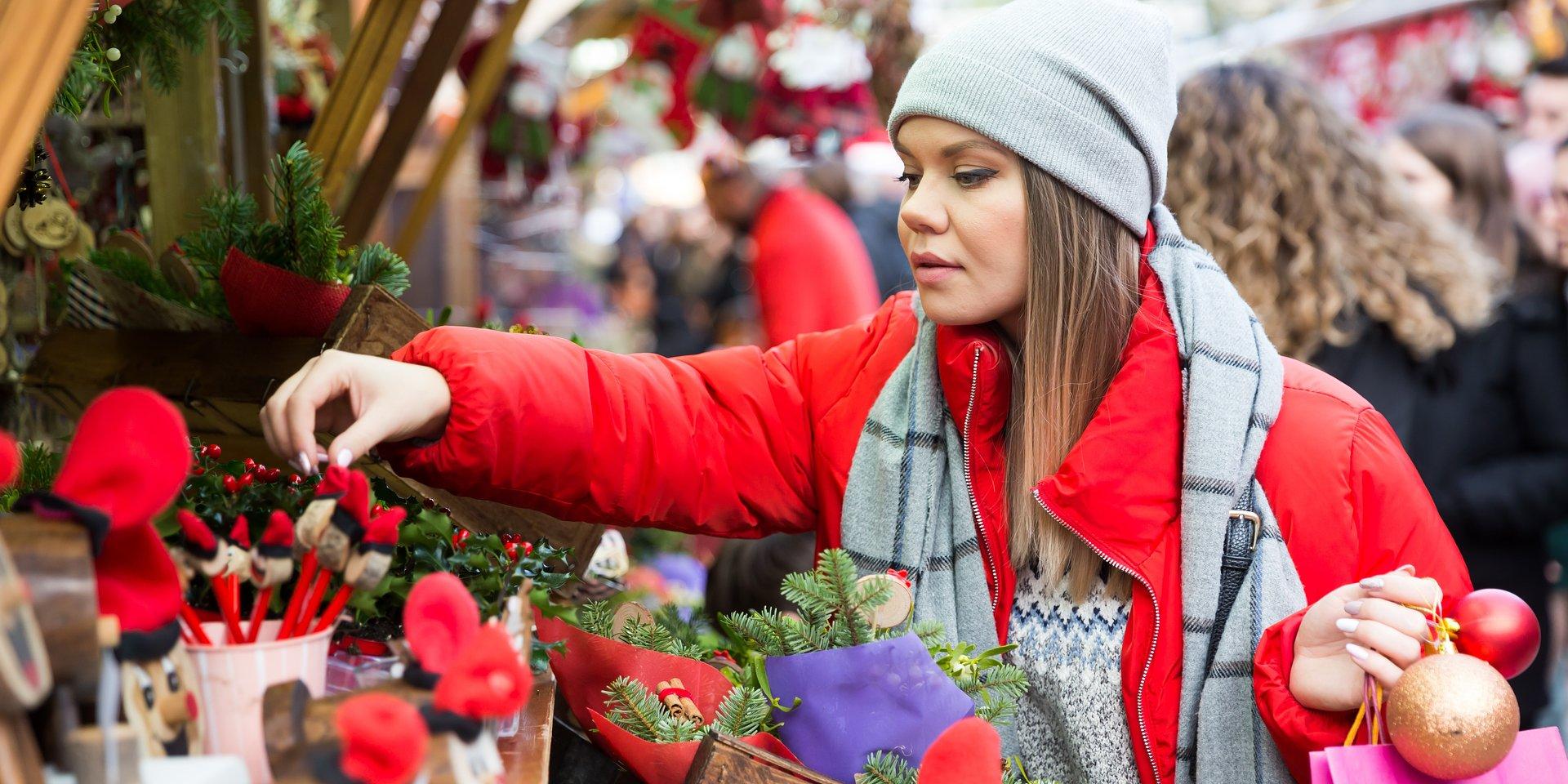 Raport: jak użytkownicy e-commerce kupują prezenty świąteczne?