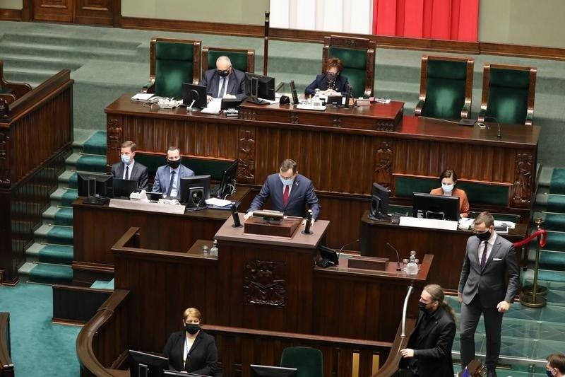 Ustawa o zawodzie farmaceuty opuszcza Sejm [KOMENTARZE]