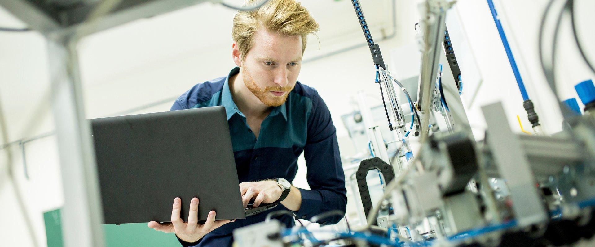 1,44 mln EUR na rozwój rozwiązań cyfrowych. Wsparcie trafi do 24 firm, w tym czterech z Małopolski