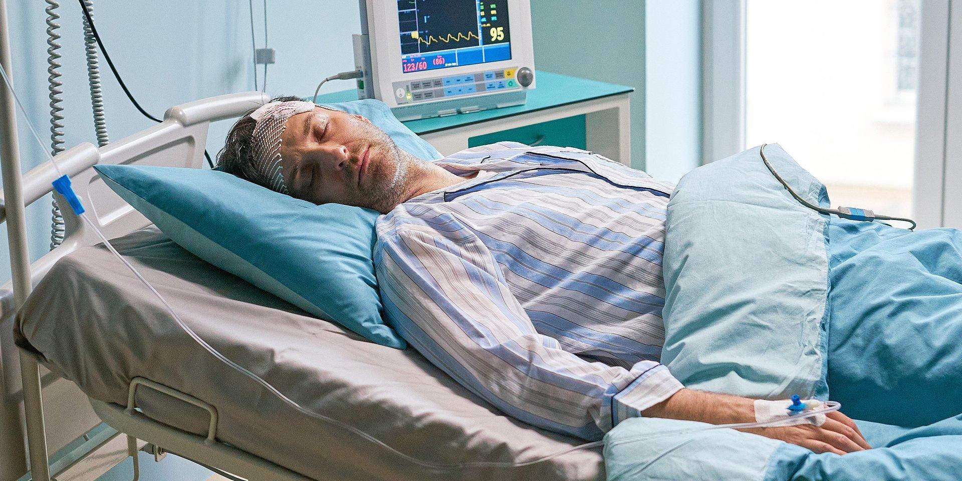 BrzydUla: Marek nieprzytomny trafia do szpitala!