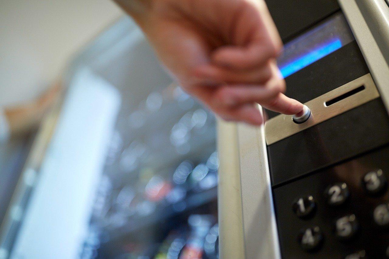 Leki w automatach vendingowych? Tego chcą posłowie Koalicji