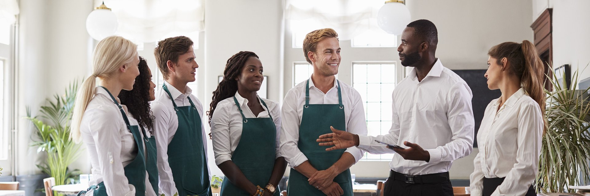 10 Tips For Your Restaurant Staff Meetings