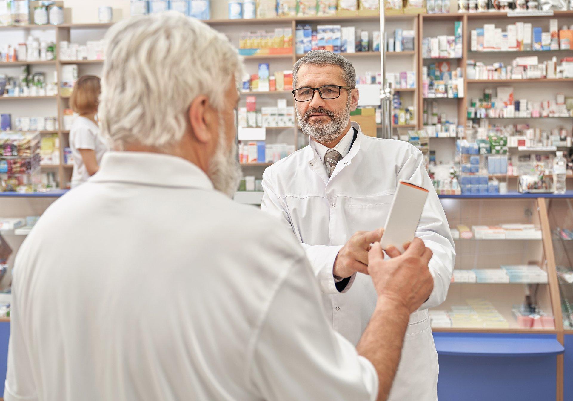 Apteka to nie sklep, leki to nie bułki, czyli rzecz o godzinach dla seniorów