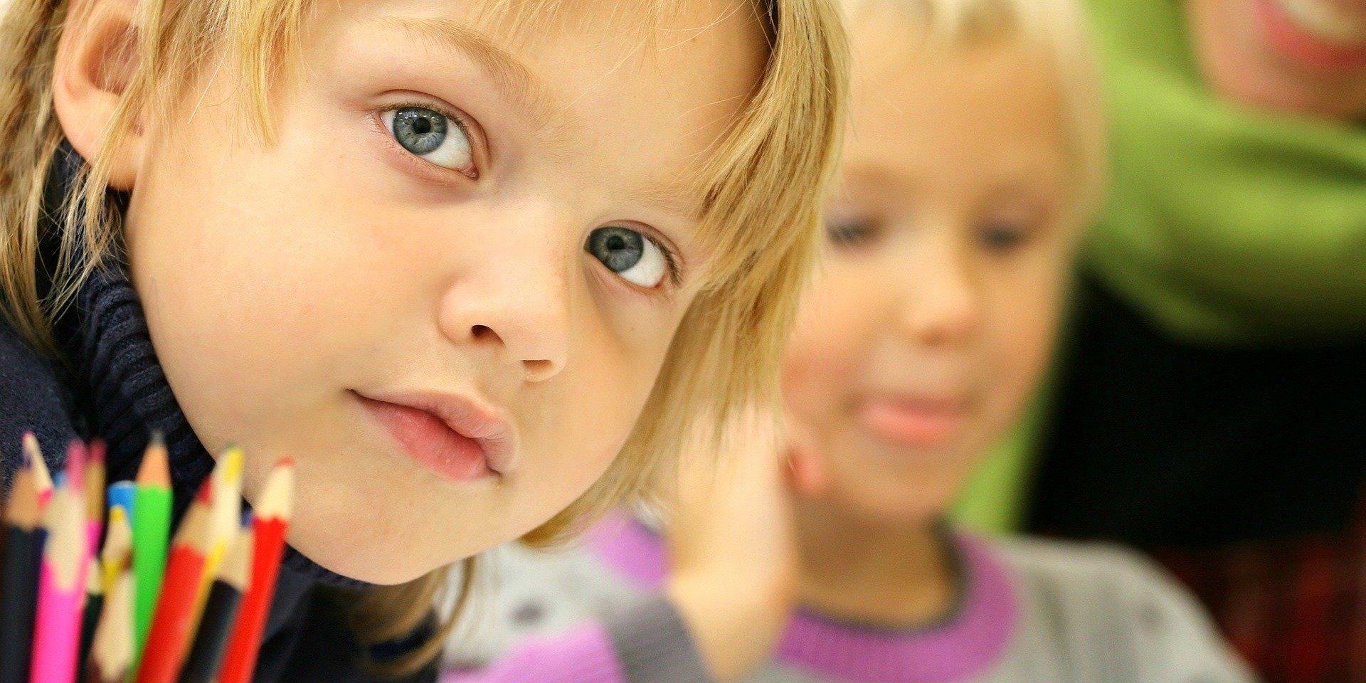 Psycholodzy alarmują. Dzieci i nastolatki w cieniu pandemii
